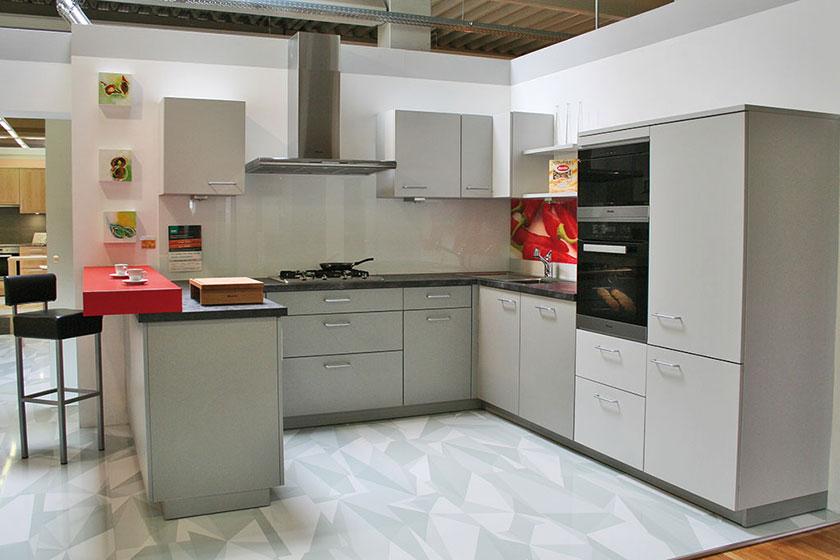 t ftlerk che 4. Black Bedroom Furniture Sets. Home Design Ideas